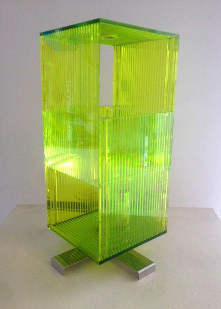 Lume moderno Cick T verde – sconto 50%, 1 pezzo disponibile