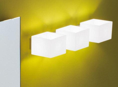 Lampada da parete moderna Domino P9033.14 bianco, sconto 50%, PRODOTTO ESAURITO