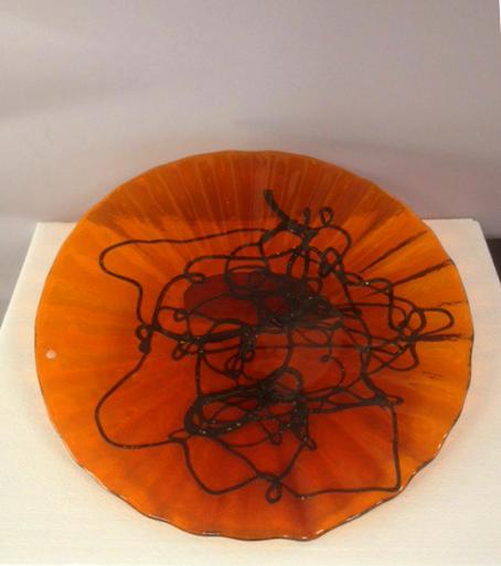 Piatto Plisse grande ambra, 1 pezzo disponibile, sconto 50%, prezzo scontato 137,25 Euro