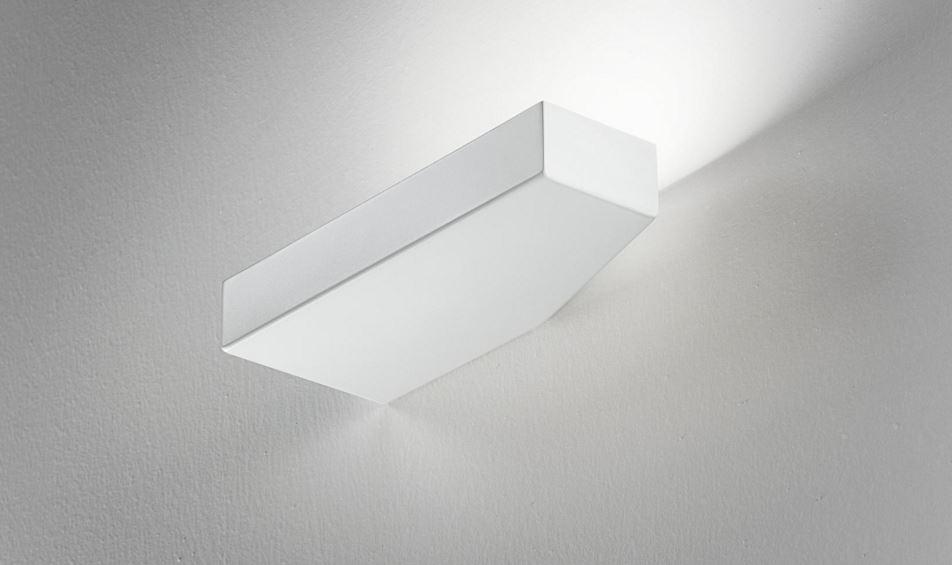 Lampada da parete moderna Tip A5801 Led bianco, sconto 50%, 1 pezzo disponibile